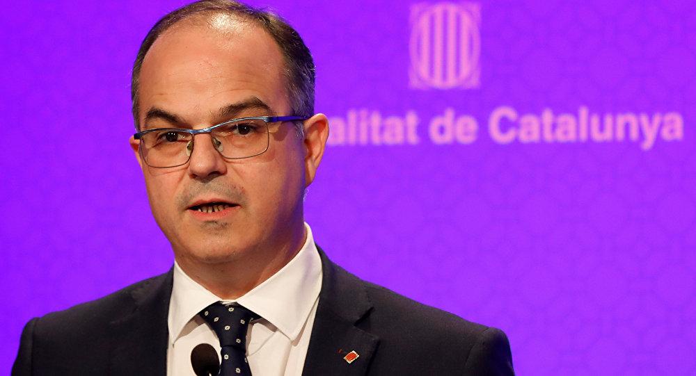 Convocan elecciones y destituyen gobierno de Cataluña