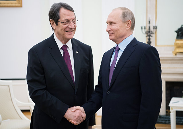 Presidente de Rusia, Vladímir Putin y presidente de Chipre, Nikos Anastasiadis