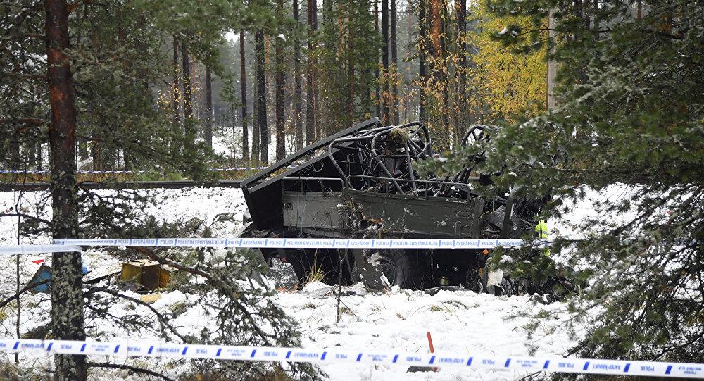 Varios muertos tras colisionar un tren con un vehículo militar — Finlandia