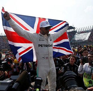 Lewis Hamilton, piloto británico, al ganar su cuarto mundial de Fórmula Uno