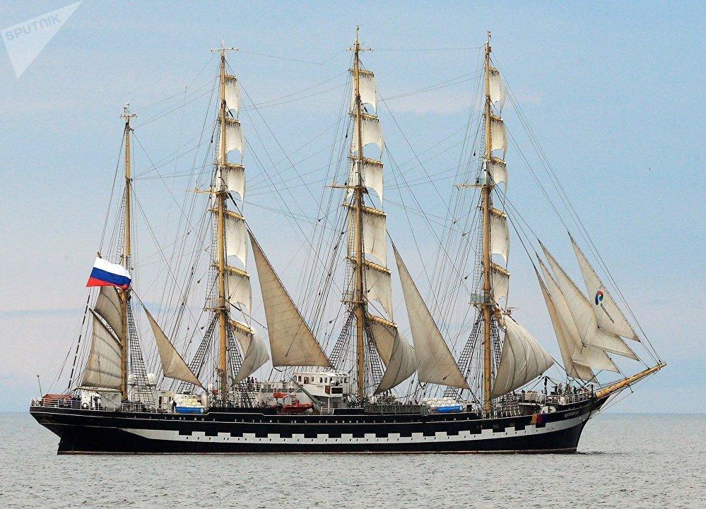 El velero Kruzenshtern