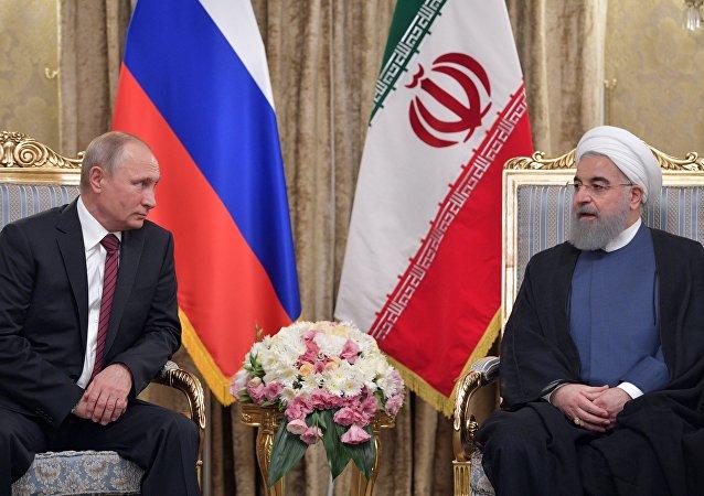 Presidente de Rusia, Vladímir Putin, y presidente de Irán, Hasán Rohani