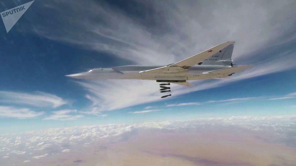 Misil a misil, los bombarderos Tu-22M3 eliminan las posiciones de Daesh