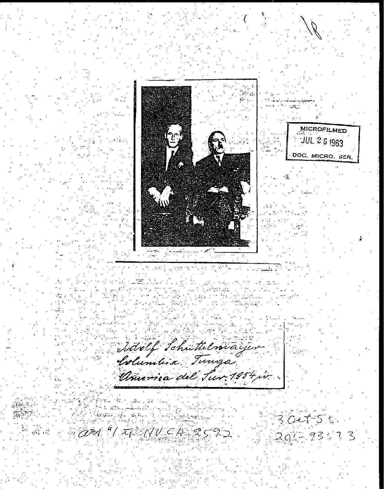 Tercera página del informe desclasificado de la CIA sobre la presencia de Adolf Hitler en Colombia, con la foto que acredita su supuesto viaje.