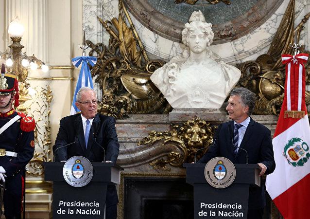 El presidente de Perú, Pedro Pablo Kuczynski, y el presidente de Argentina, Mauricio Macri