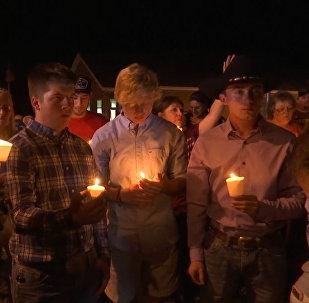 Los estadounidenses lamentan las víctimas del tiroteo más mortífero de Texas