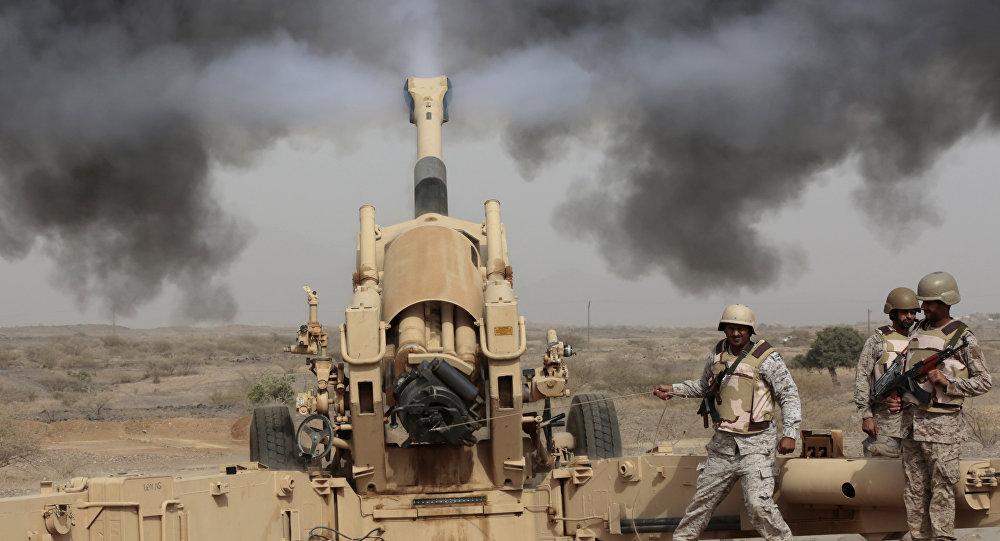 Artillería saudí durante operaciones de combate en la frontera con Yemen (archivo)