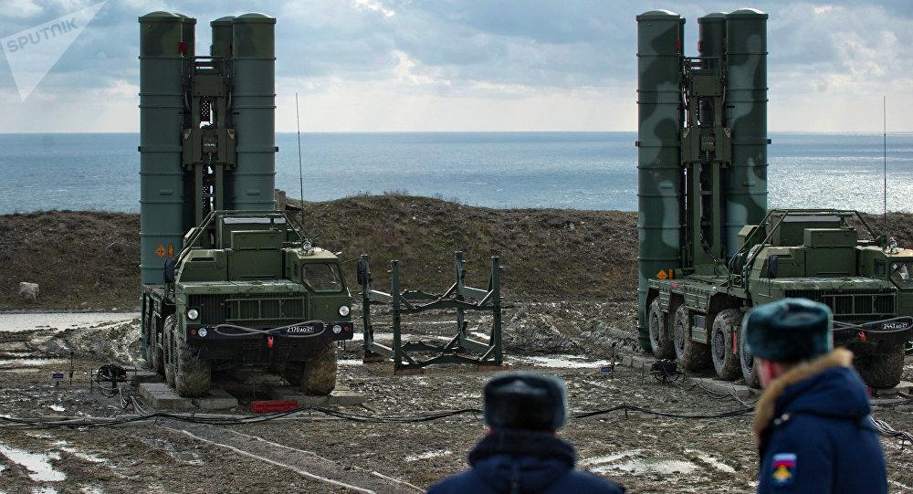 Un regimiento de S-400 desplegado en Crimea, 14 de enero de 2017