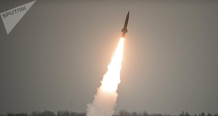 Trump sanciona a Rusia por violación del tratado de misiles INF