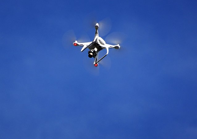 Un dron en el aire (imagen referencial)