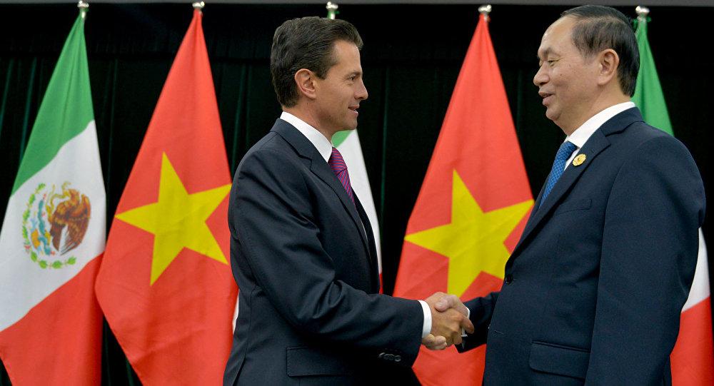 El presidente de México Enrique Peña Nieto y su homólogo vietnamita Tran Dai Quang