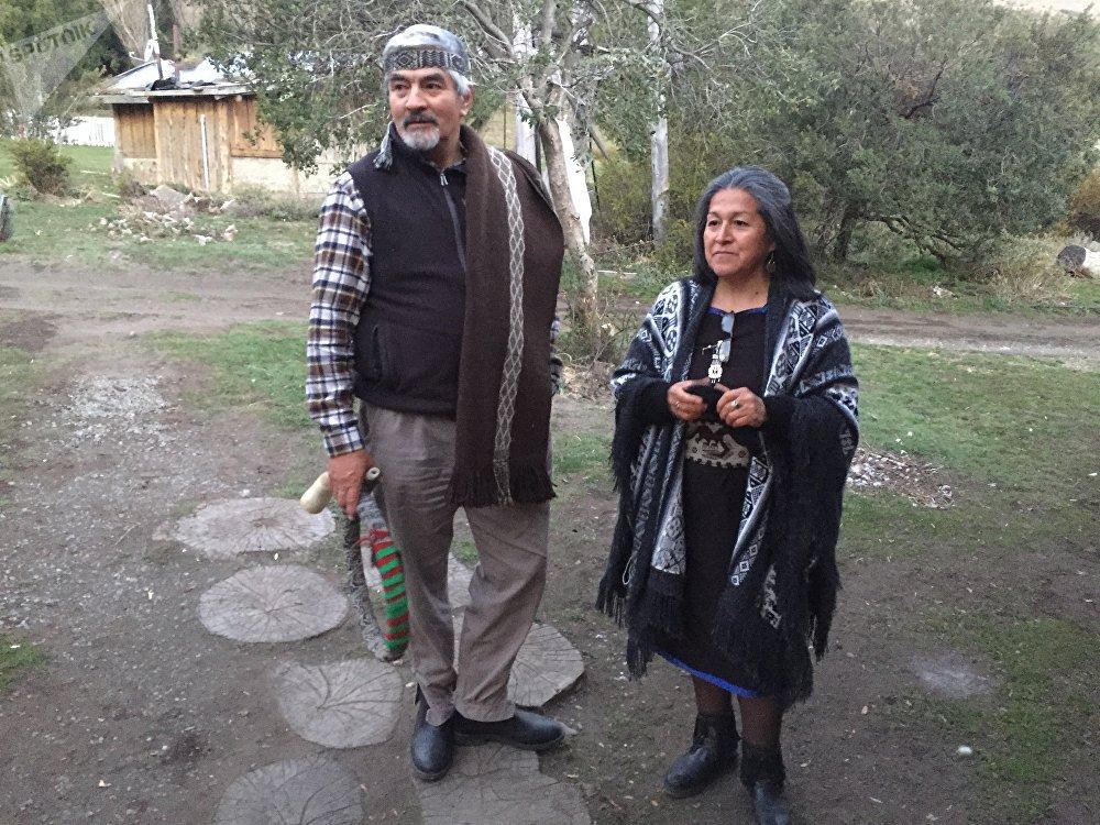José Quintriqueo y Verónica Hullipan, unos de los dirigentes mapuches