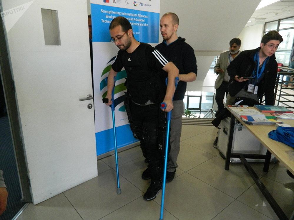 Exoatlet, el exoesqueleto para devolver la capacidad de caminar a personas con movilidad reducida
