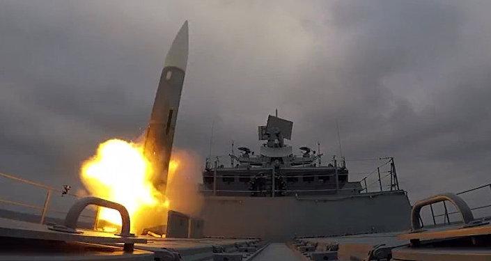 Una fragata rusa derriba 'misiles enemigos' en el mar Báltico