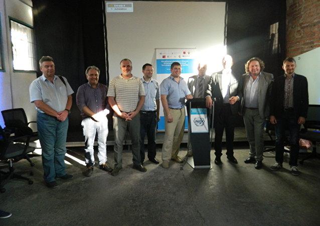 La comitiva rusa que visitó Santiago de Chile para mostrar la tecnología avanzada de su país.