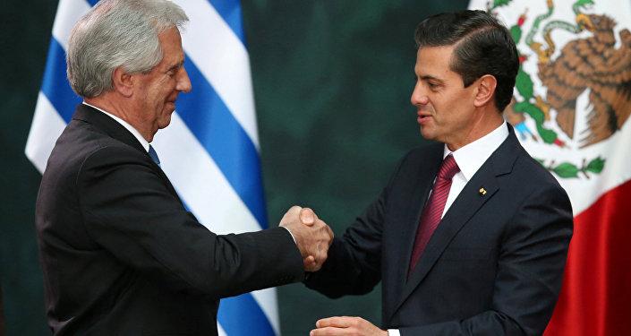 Presidente de Uruguay, Tabaré Vázquez, y presidente de México, Enrique Peña Nieto