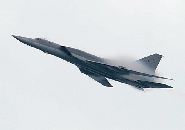 El bombardero supersónico Tu-22M3