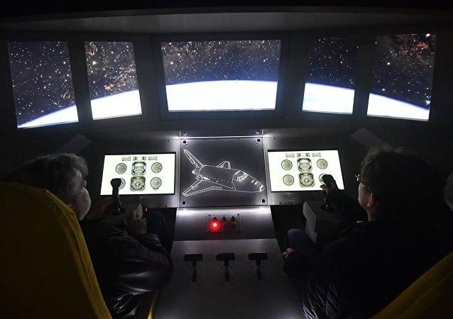 El interior del modelo de pruebas en tamaño real del transbordador Buran