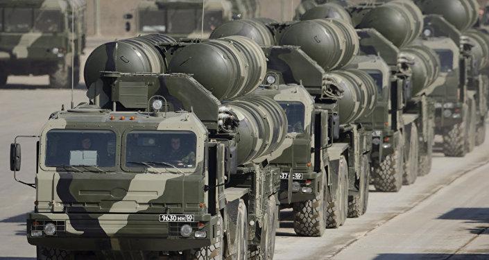 Análisis comparativo de los sistemas de defensa antiaérea S-400 y Patriot