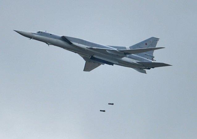 Bombardero ruso Tu-22M3 (imagen referencial)