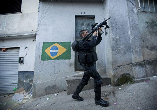 Un policía del Batallón de Operaciones Policiales Especiales de Rio de Janeiro