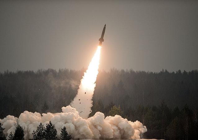 Lanzamiento de un misil del sistema Tochka-U (archivo)