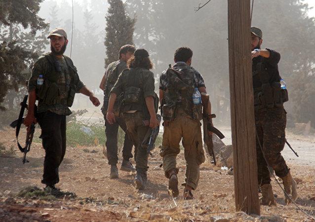 Combatientes de Frente al Nusra (archivo)