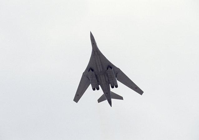 Bombardero estratégico supersónico ruso Tu-160