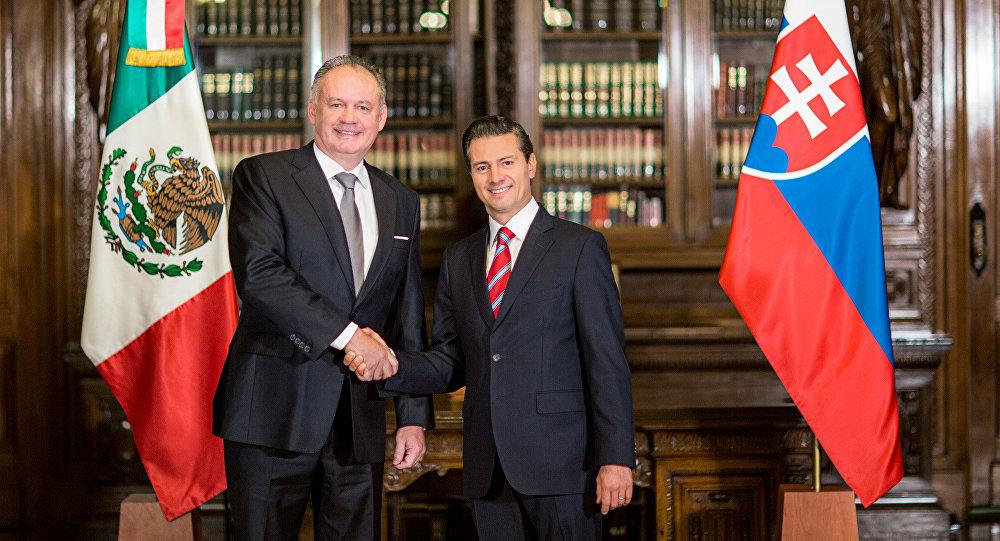 Andrej Kiska, presidente de la República Eslovaca, y Enrique Peña Nieto, presidente de México