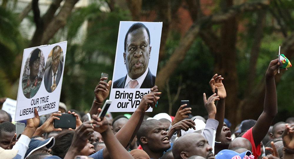 Retratos de Emmerson Mnangagwa, exvicepresidente de Zimbabue