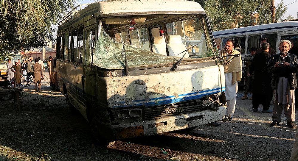 Lugar de la explosiónen la ciudad de Jalalabad, Afganistán