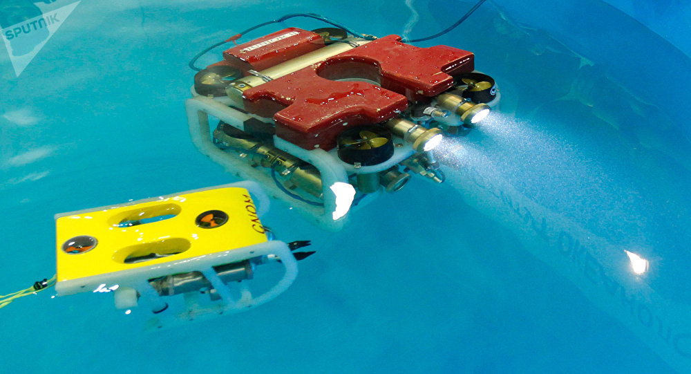 Dos robots submarinos rusos