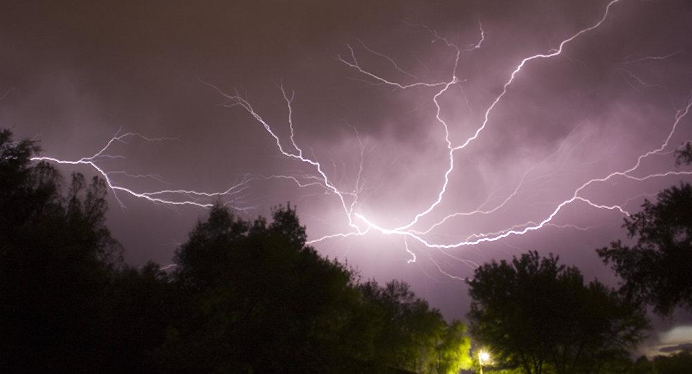 Una tormenta eléctrica