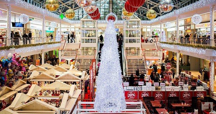 Un centro comercial durante las rebajas de Navidad (imagen ilustrativa)