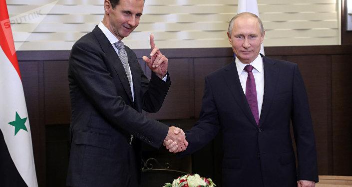 Vladímir Putin, presidente de Rusia, recibe a su homólogo sirio, Bashar Asad, en Sochi, Rusia, 21 de noviembre de 2017