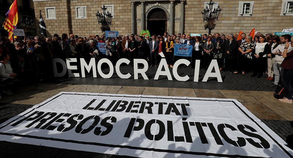 Las protestas en frente del Ayuntamiento de Barcelona el 2 de noviembre (archivo)