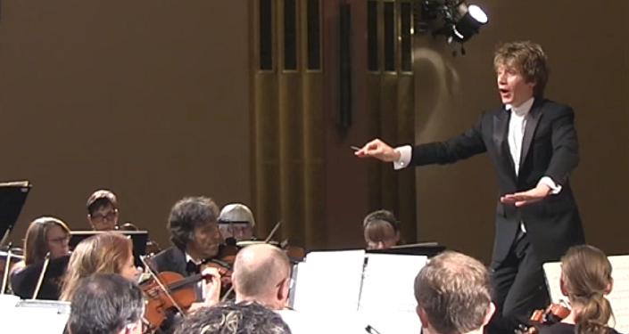 El espíritu de Stravinski 'posee' a una espectadora en pleno concierto
