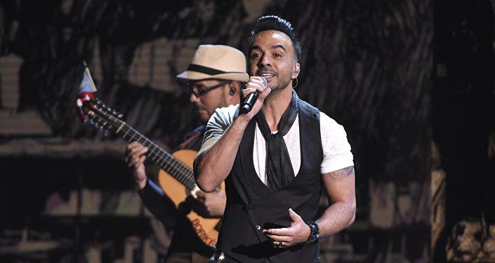 Luis Fonsi, cantante puertorriqueño