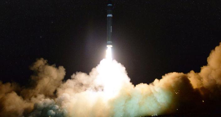 Lanzamiento del misil norcoreano Hwasong 15