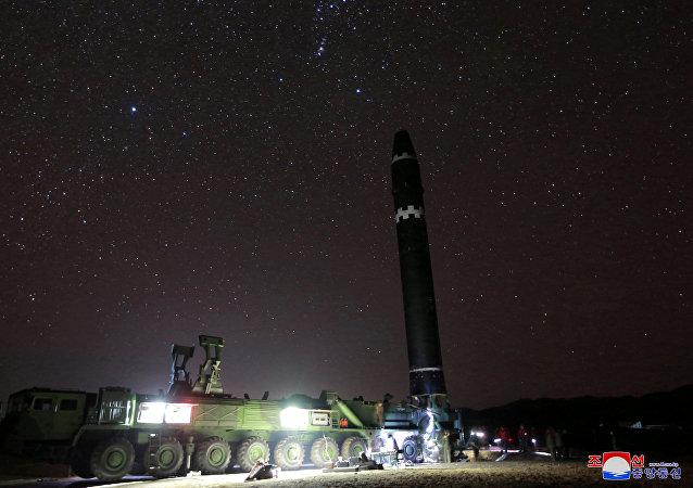 El misil balístico intercontinental norcoreano Hwasong-15