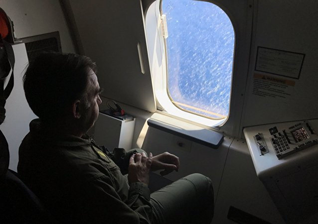 Miembro de la Armada de Argentina participa en la búsqueda del ARA San Juan