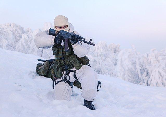 Un soldado de la la Infantería Naval de Rusia