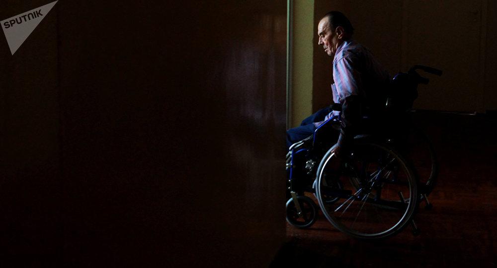 Un hombre en silla de ruedas (imagen referencial)