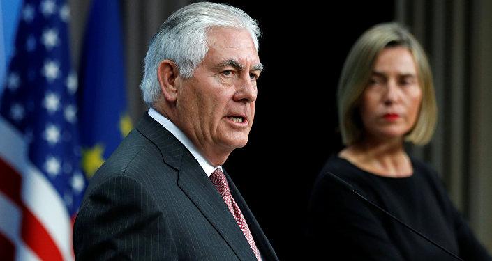 Rex Tillerson, secretario de Estado de EEUU, y Federica Mogherini, alta representante de la UE para Asuntos Exteriores (archivo)