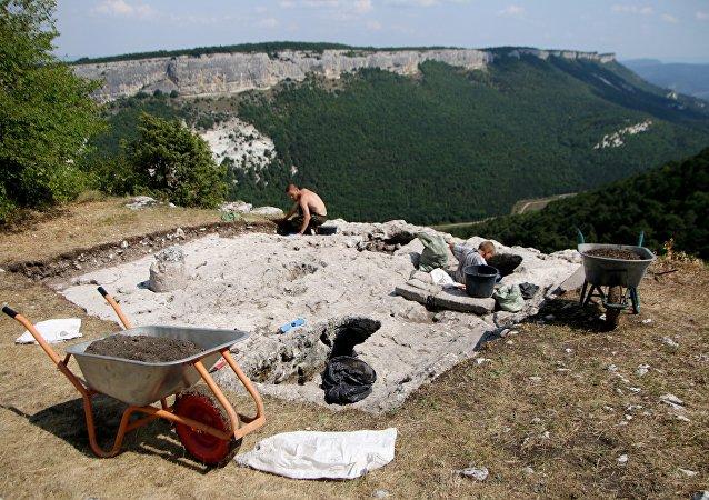 Las excavaciones arqueológicas en Cufut Qale, Crimea (archivo)