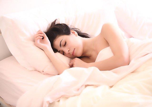Una mujer dormida