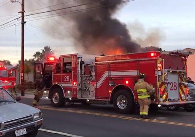 La extinción del incendio en San Diego