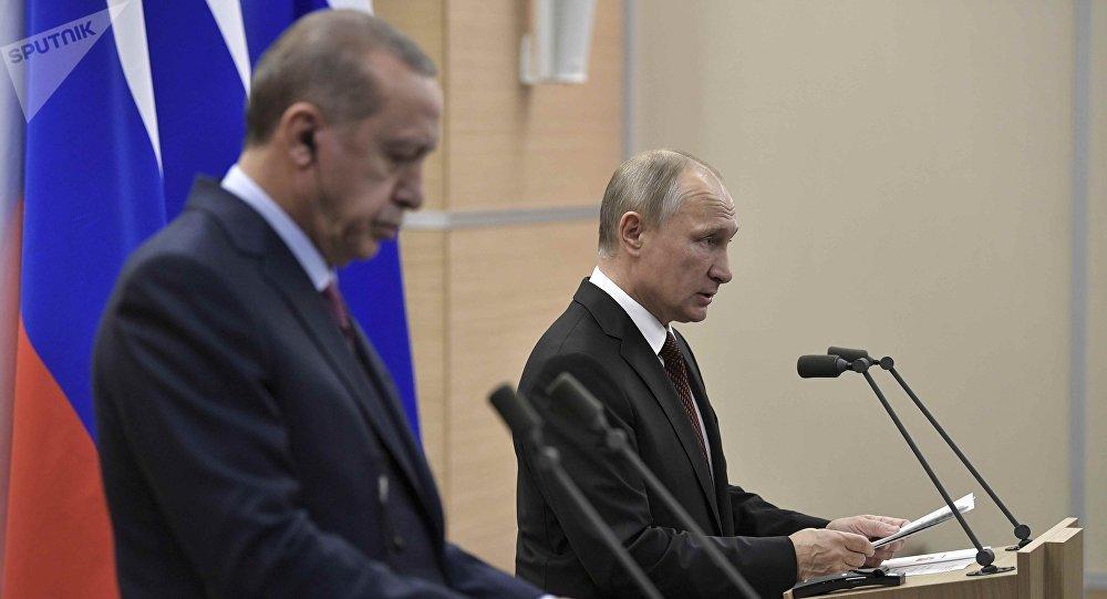 Presidente de Turquía, Recep Tayyip Erdogan, y presidente de Rusia, Vladímir Putin (archivo)