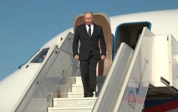 Putin llega a la base rusa en Siria