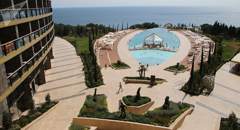 El balneario Mriya Resort & Spa, ubicado en la costa del mar Negro en la ciudad de Yalta en Crimea